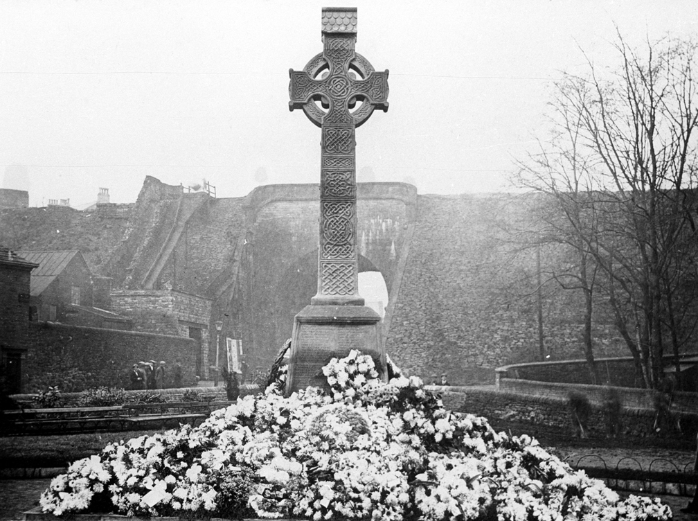 The War Memorial in 1920